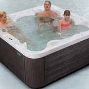 Pluto Outdoor Whirlpool von Wellis